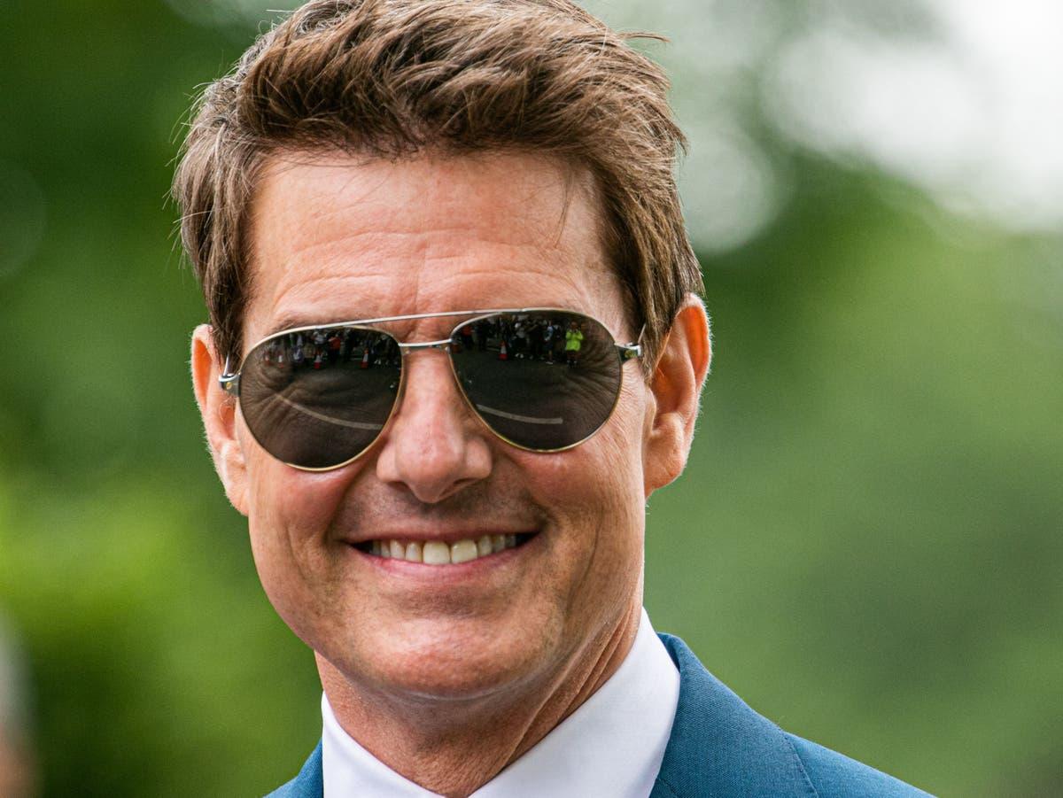 """Tom Cruise fait atterrir un hélicoptère dans le jardin d'une famille britannique parce qu'il était """"en retard"""""""