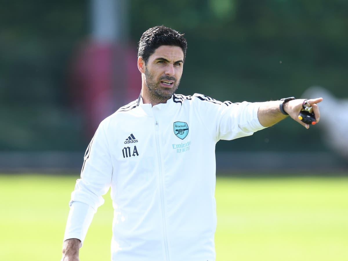 Le manager de Feyenoord remet en question les méthodes d'entraînement de Mikel Arteta après la blessure de Reiss Nelson