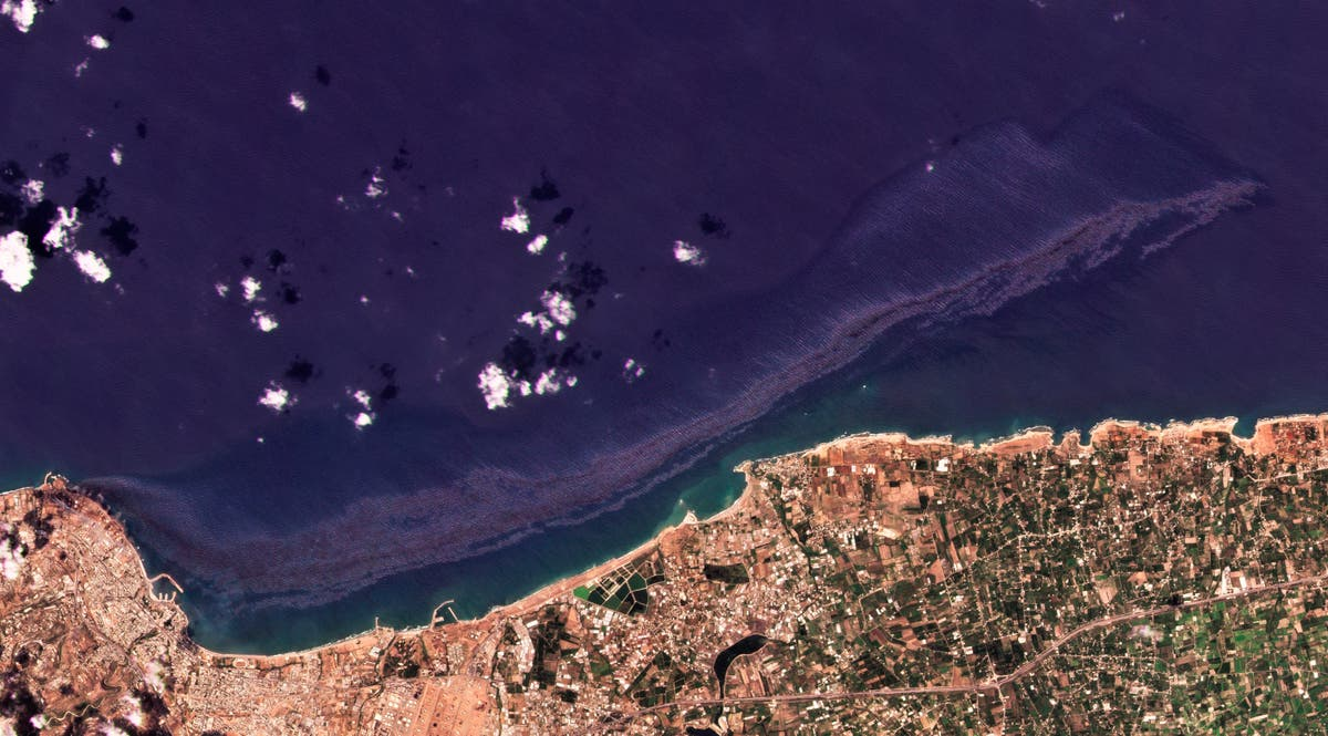 Oil spill from power station spreads along Syria's coast