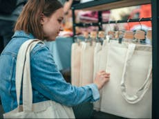 Cotton tote bags not as environmentally-friendly as you might think, sier rapport