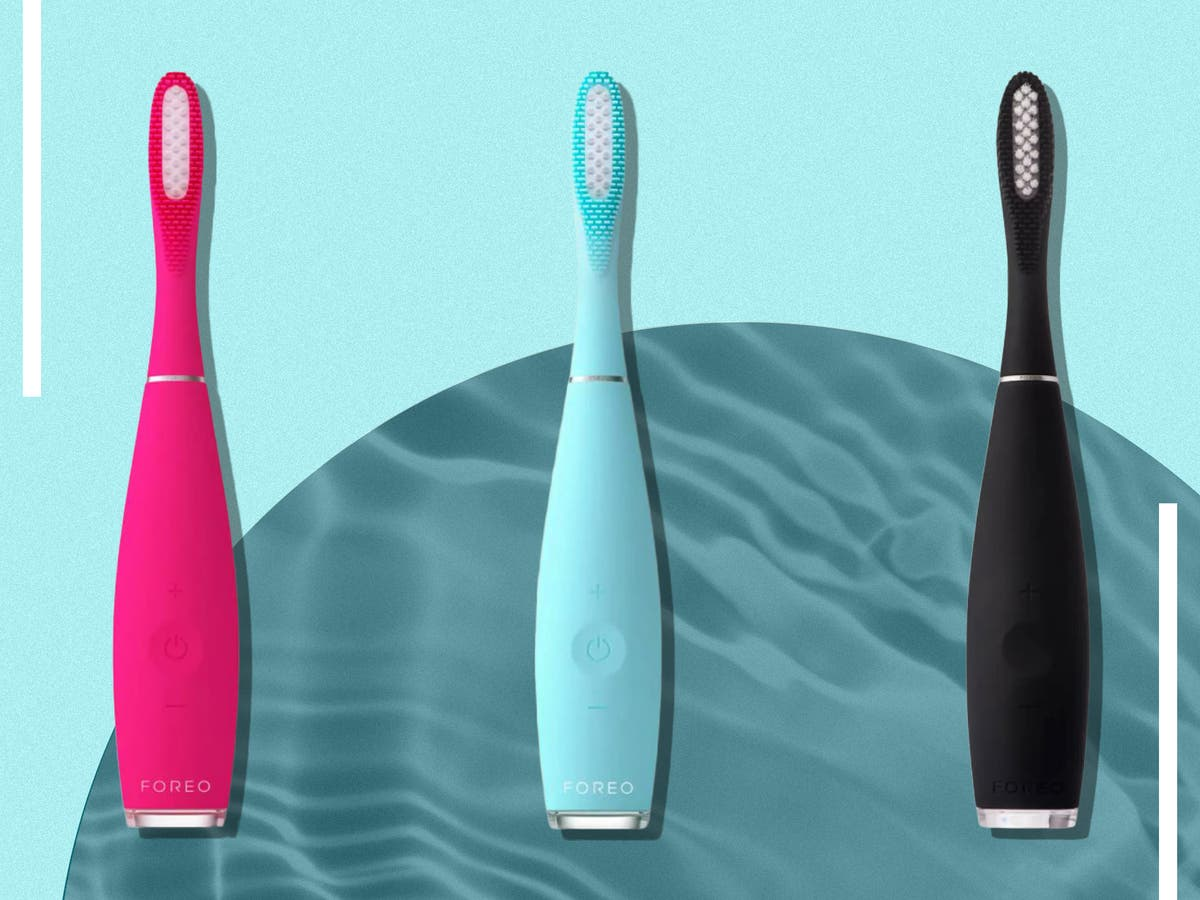 Does the Foreo issa 3 electric toothbrush put a smile on our face?
