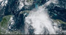"L'ouragan Ida sera probablement de catégorie ""catastrophique"" 4, le gouverneur met en garde"