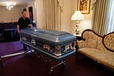 Overwhelmed Florida funeral homes are unable to keep up with the Covid dead