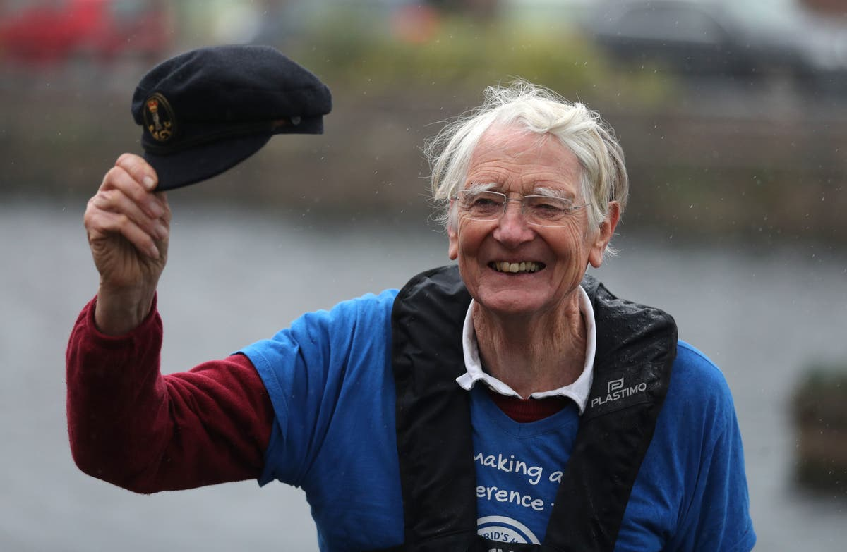 Ex-army 'Major Mick' to row 100 miles in home-made boat for charity