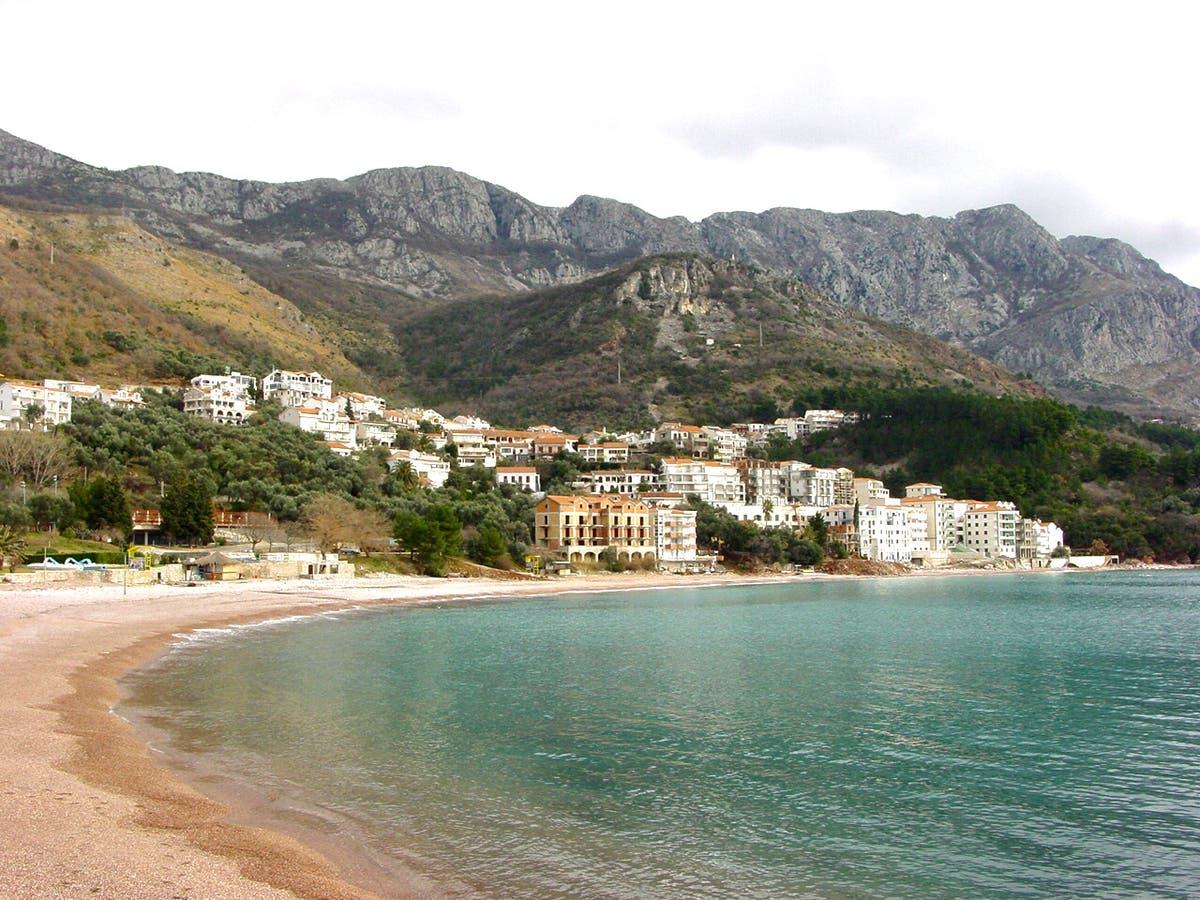 Flere titalls easyJet -passasjerer fra Montenegro står overfor karantene etter fiasko på rød liste
