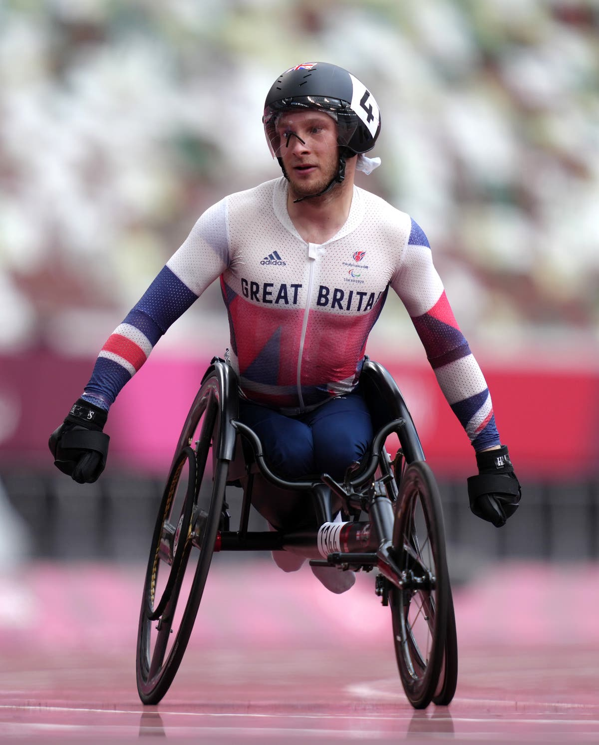 Andrew Small claims gold for Britain in T33 100m final