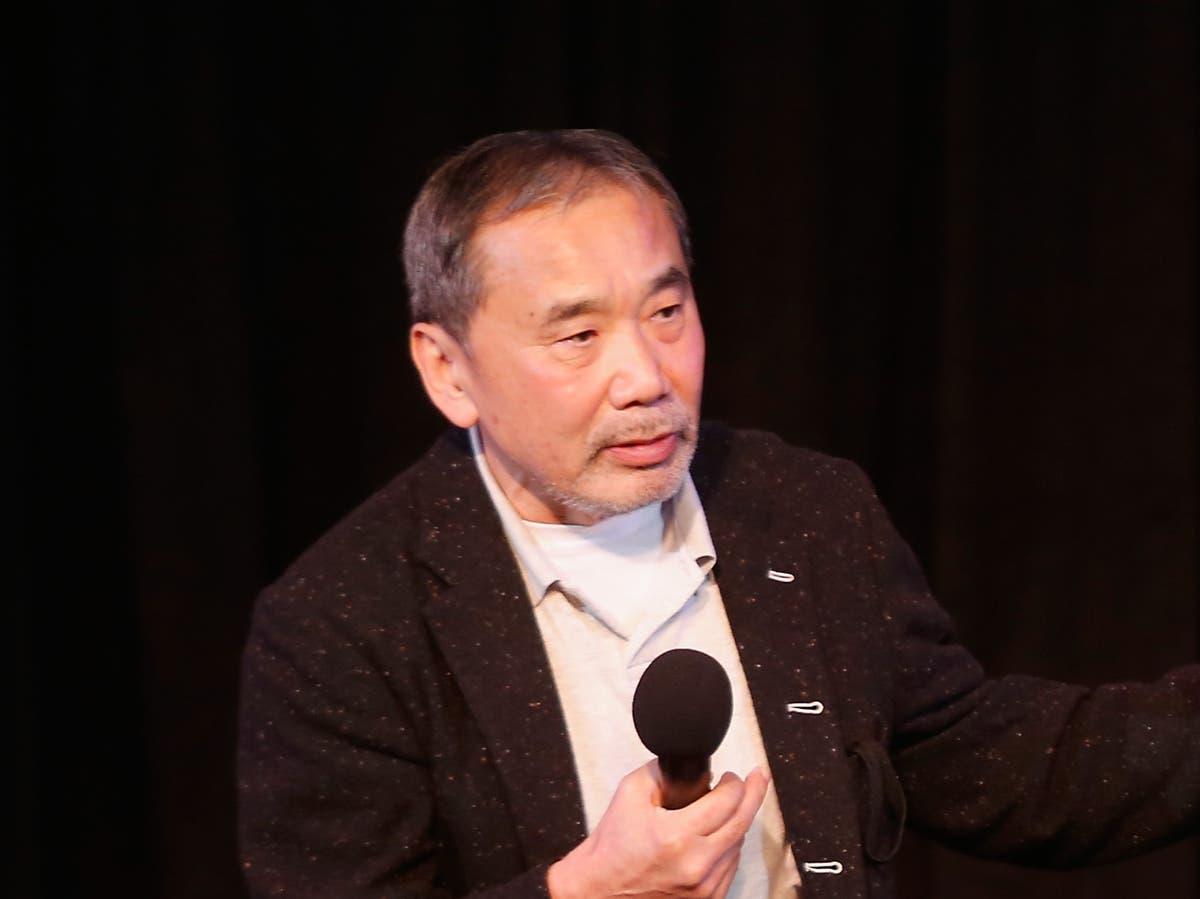 Haruki Murakami criticises Japanese prime minister's Covid response