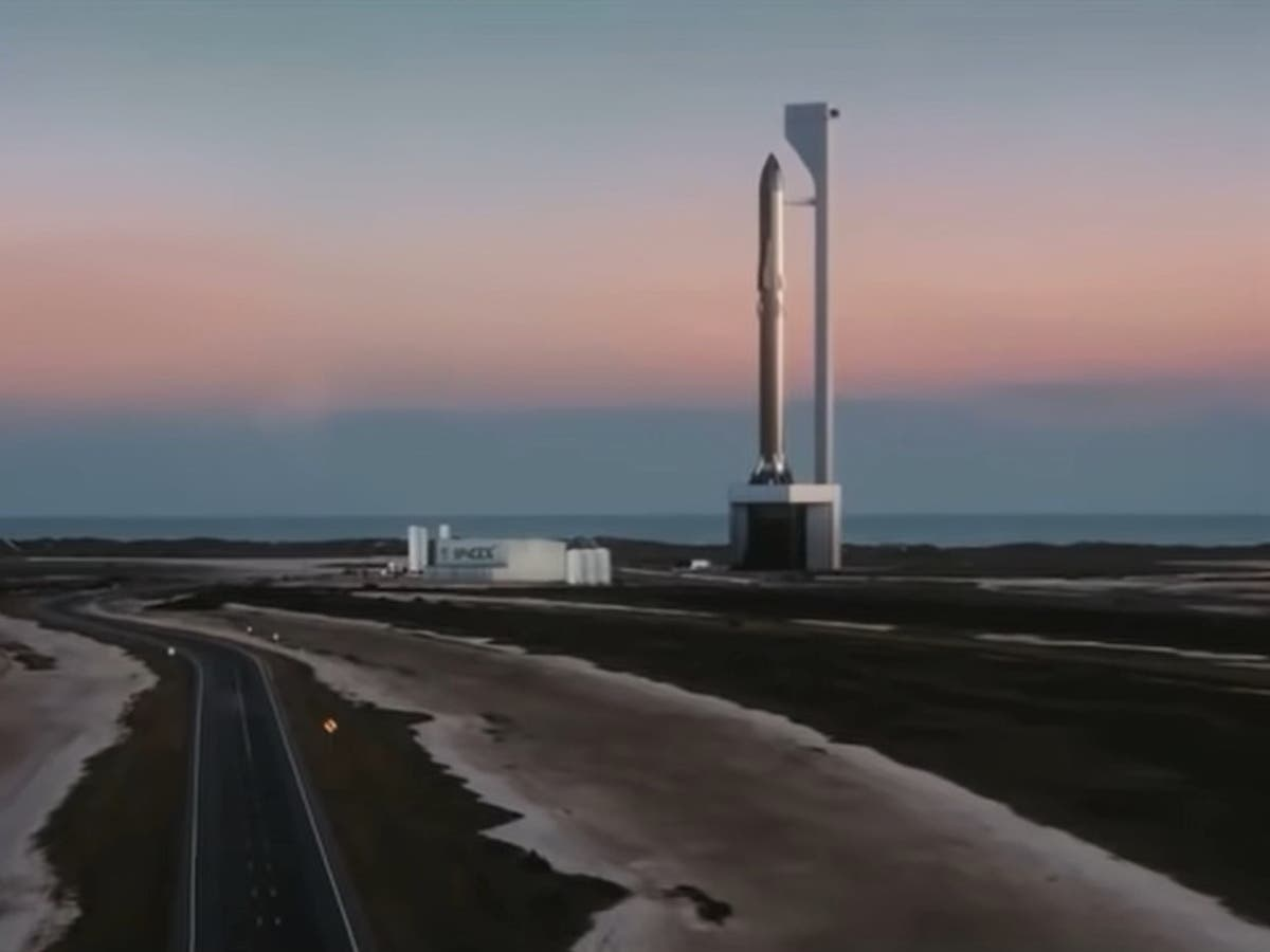 SpaceX will use 'robot chopsticks' to catch massive rocket, Elon Musk says
