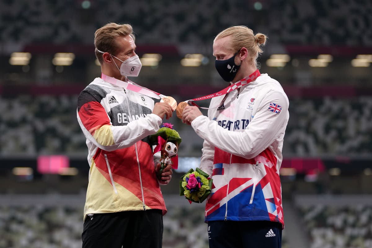Jonnie Peacock says thrilling 100m final is a great advert for Paralaympic sport