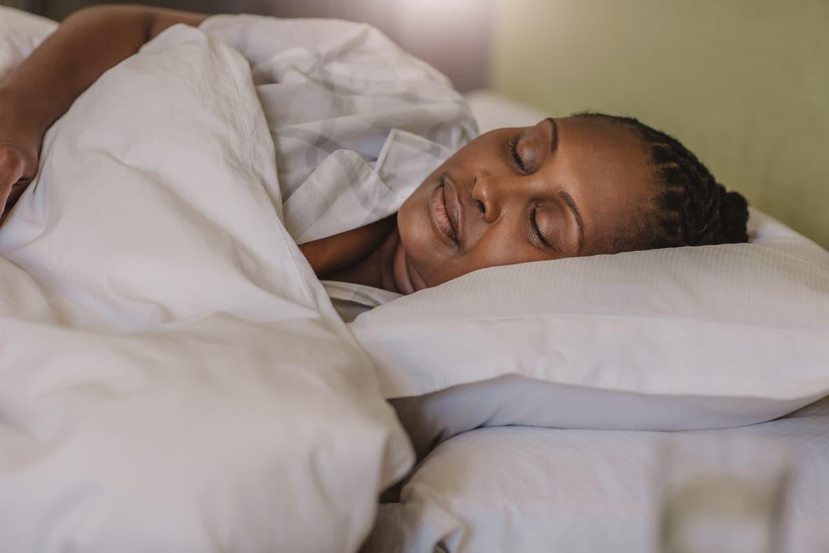 Doctor reveals sleep hacks that 'actually work' in viral TikTok video