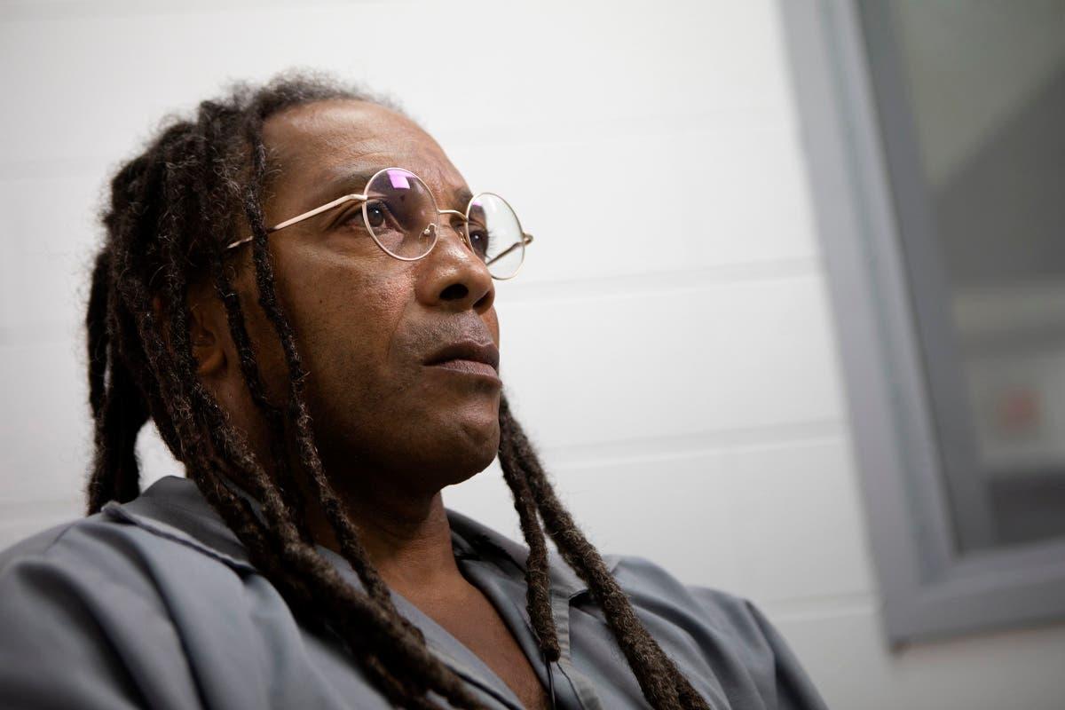 Missouri prosecutor files motion to free longtime inmate