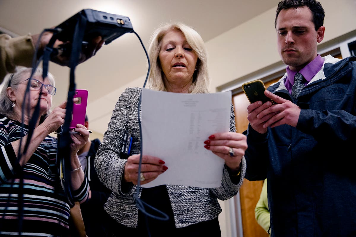 Colorado election official files suit to remove county clerk