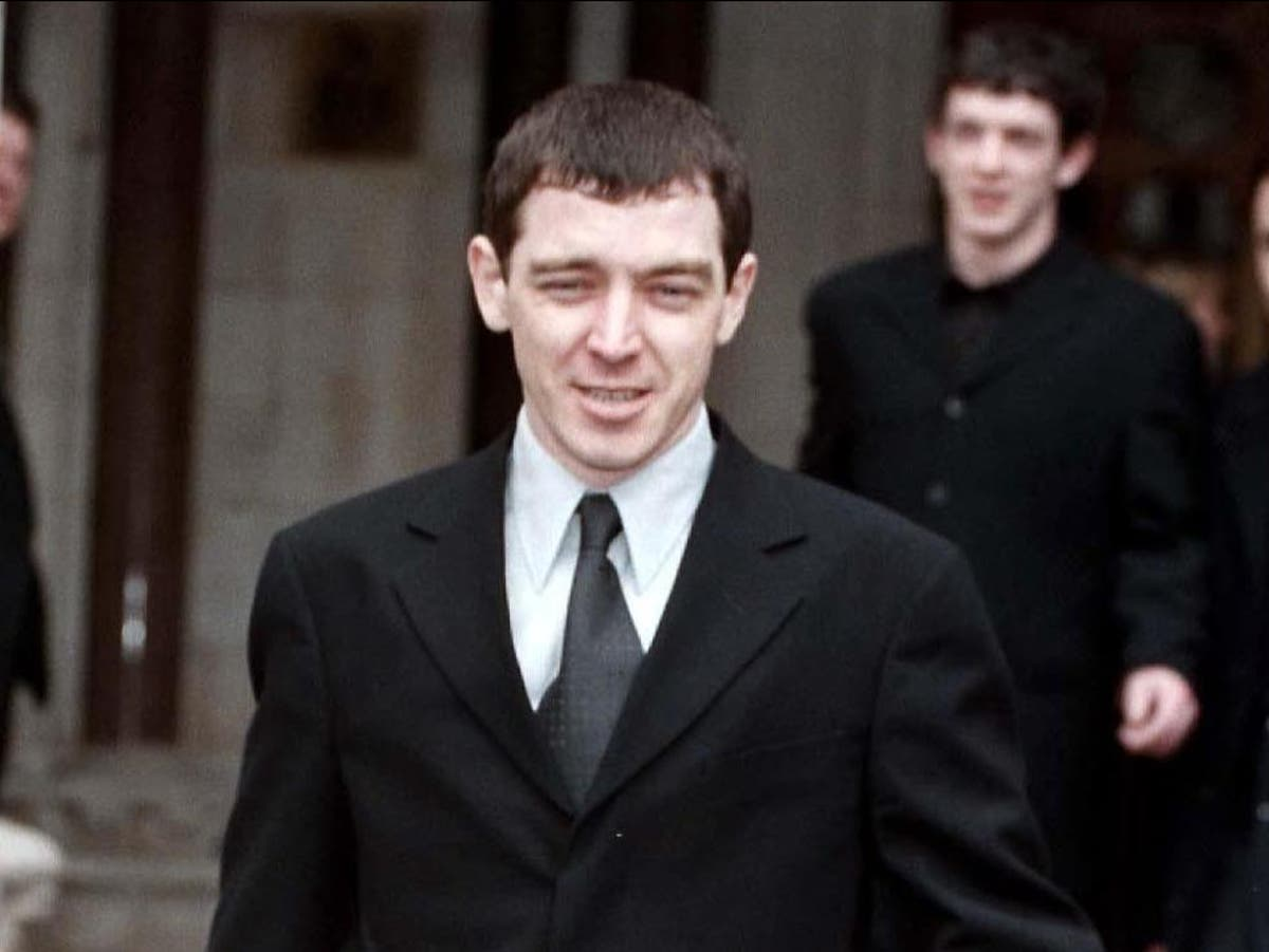Former Oasis drummer Tony McCarroll suffers heart attack