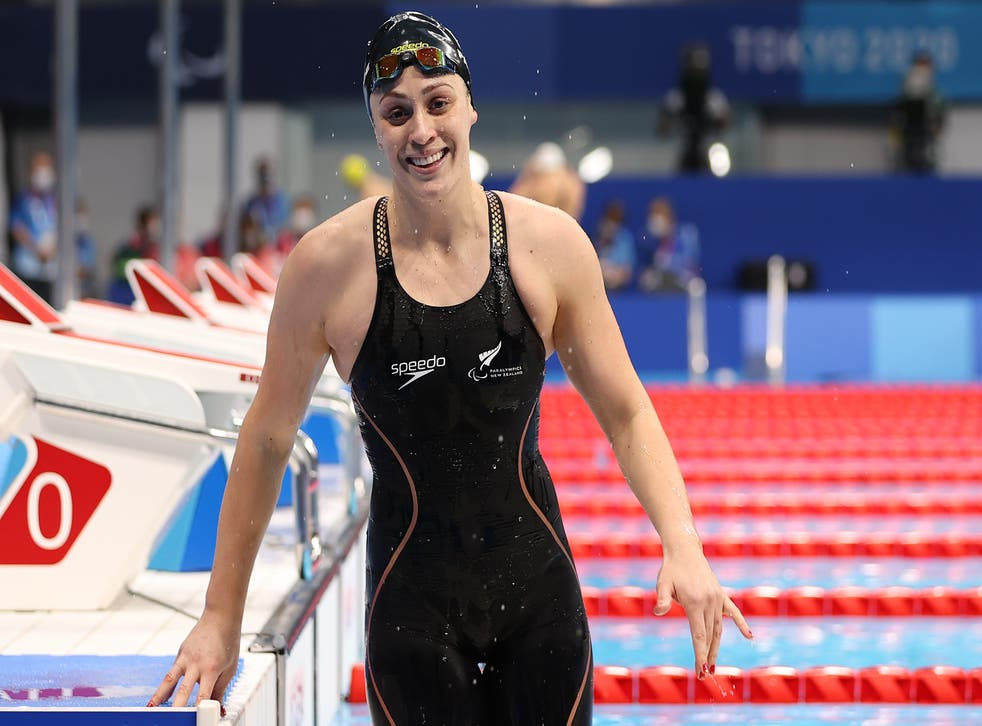 <p>Sophie Pascoe gets out of the pool</p>