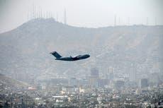 Amerikaanse vrou vasgekeer in Afghanistan: 'Die laaste vlug is weg, ons bly agter '