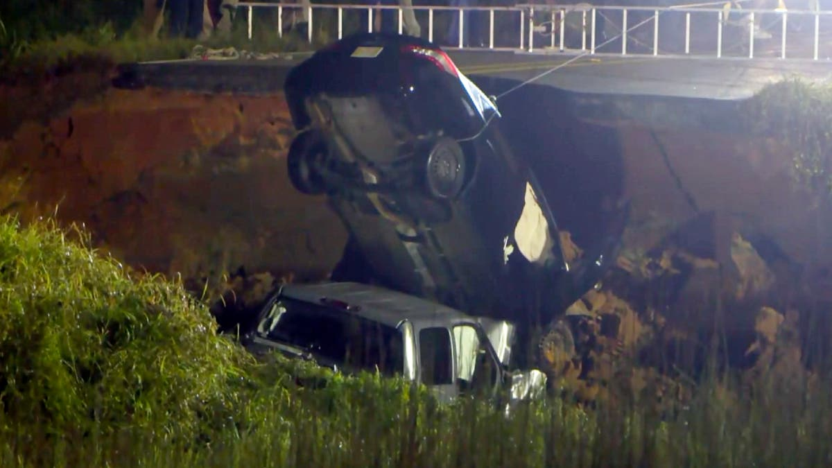 Mississippi highway collapses, 2 killed, ten minste 10 injured