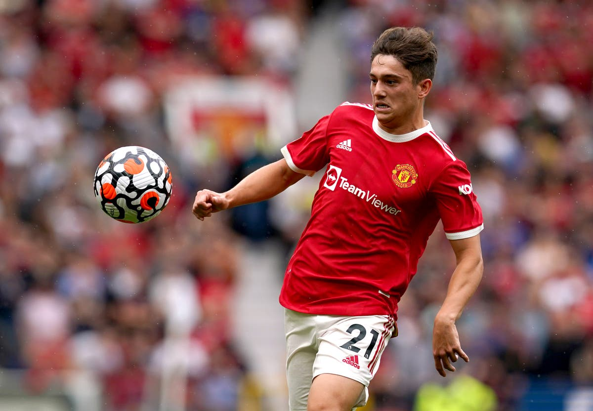 Leeds sign Daniel James in £25m deal from Manchester United