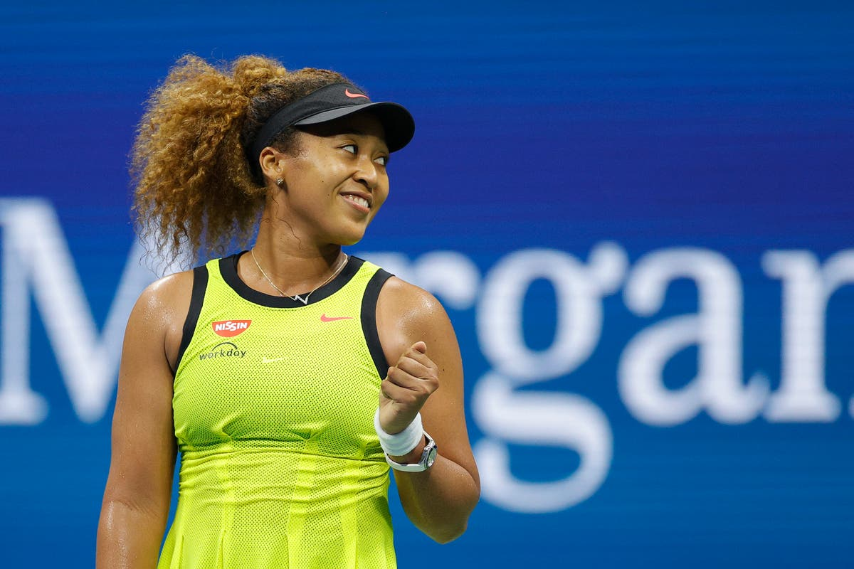 Naomi Osaka gives young fan an Olympic pin after US Open match