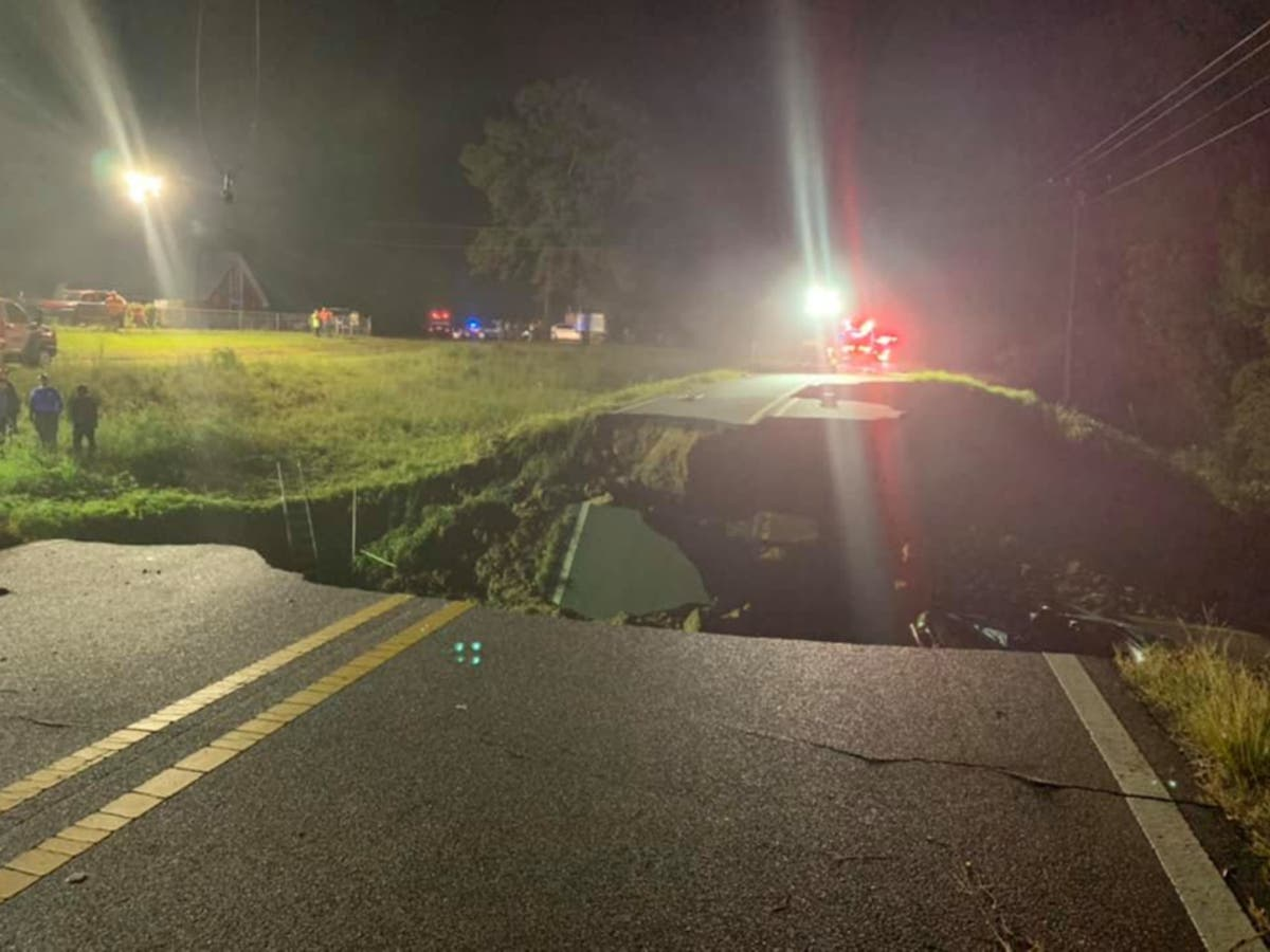 Two people killed and 10 injured after Mississippi highway collapses