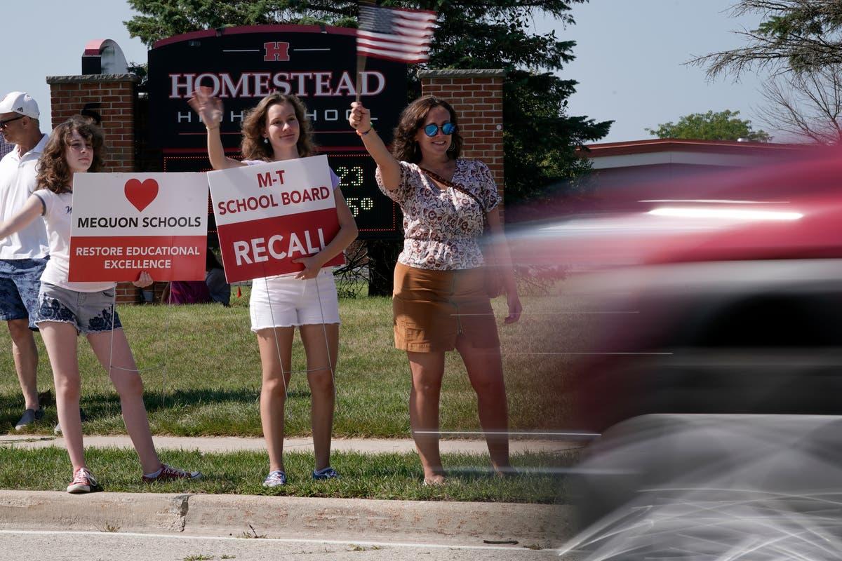 Tea party 2.0? Conservatives get organized in school battles