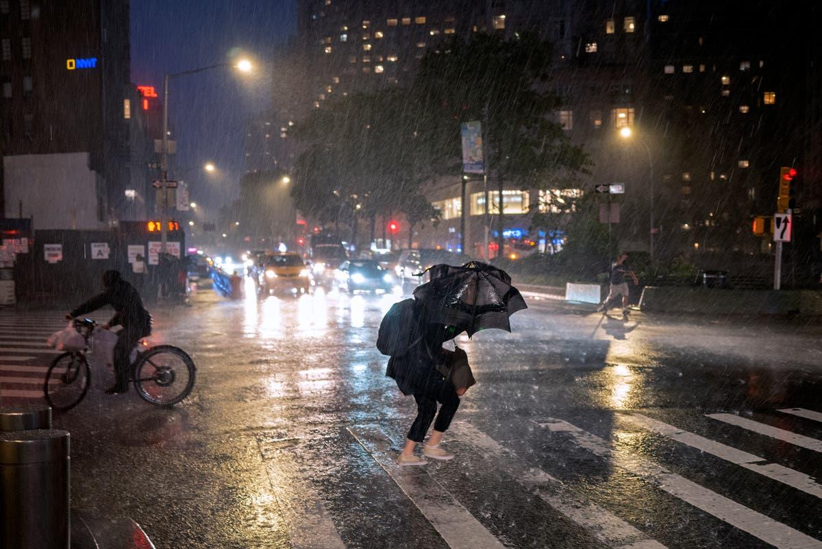 写真で: ニューヨークとニュージャージーの嵐の後の混沌