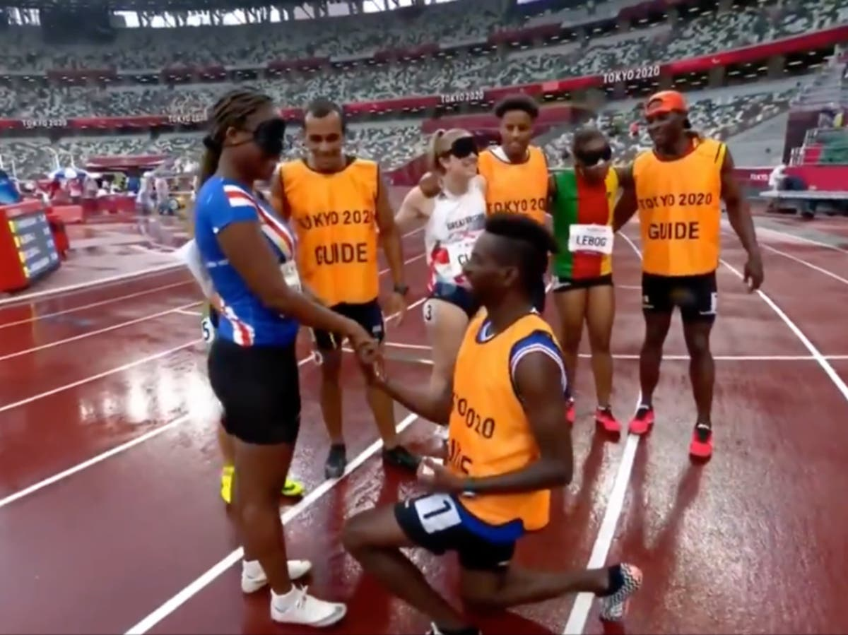 Sprinter accepts surprise proposal from running guide at Tokyo Paralympics