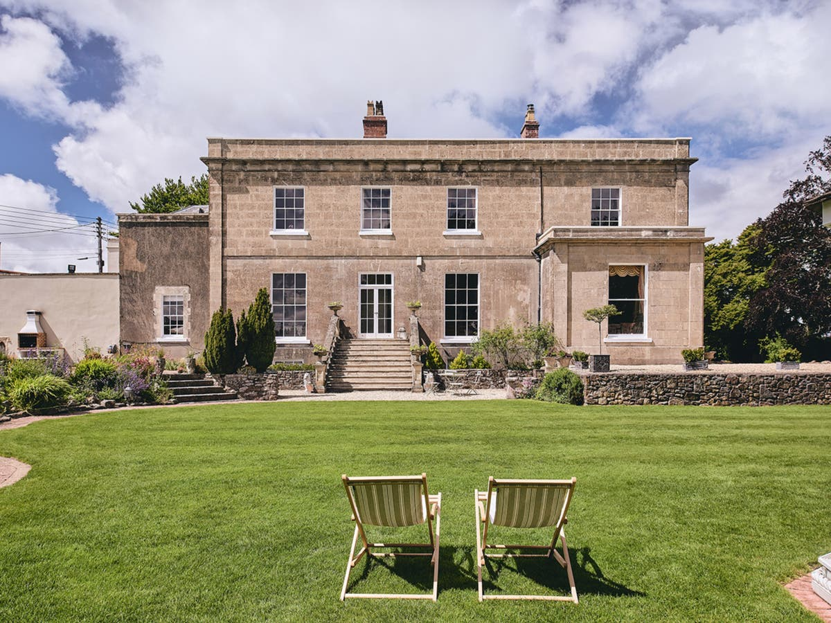 This is how you can get paid to stay in a luxury country house