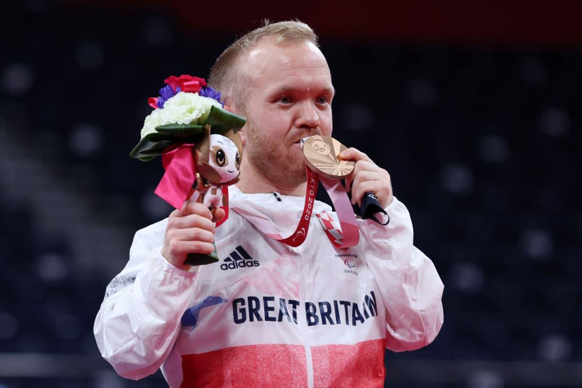 闭幕式现场直播,残奥会GB在奖牌榜上名列第二 - 关注直播