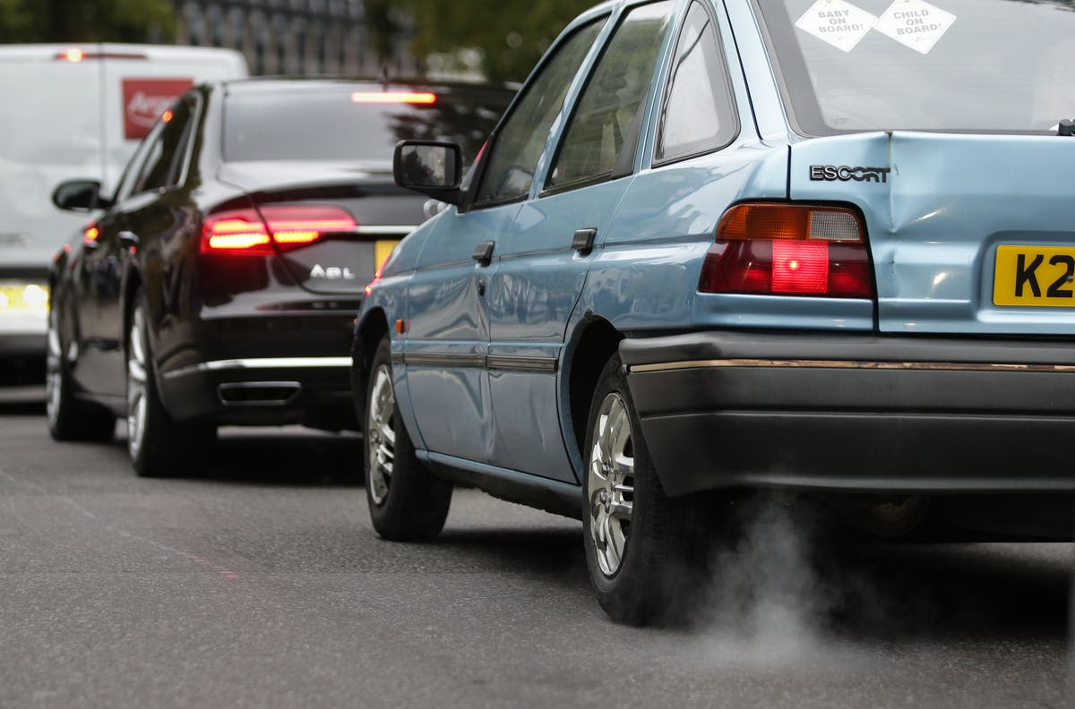 Air pollution linked to greater risk of Covid-19