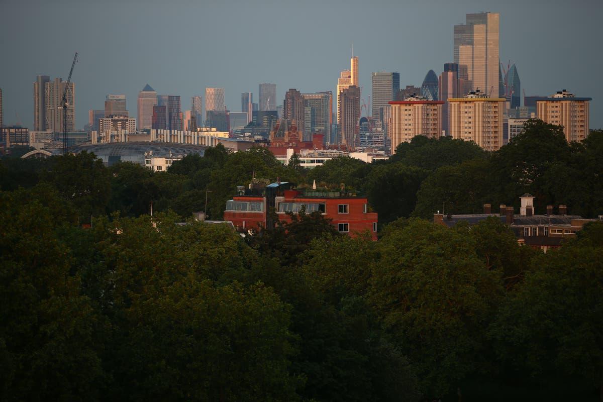 Overseas investors 'gearing up for return to UK property market'