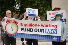 NHS 在接下来的六个月内额外支付了 54 亿英镑以解决 Covid 和等待名单积压问题