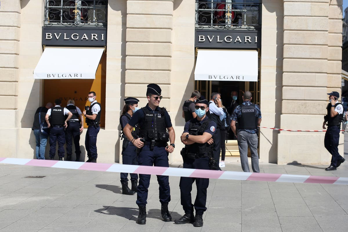 2 suspects arrested after Bulgari jewelry heist in Paris