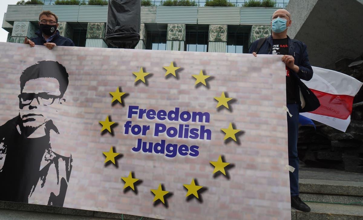 ブリュッセルはポーランドとの法廷闘争を強化, 毎日の罰金を要求する
