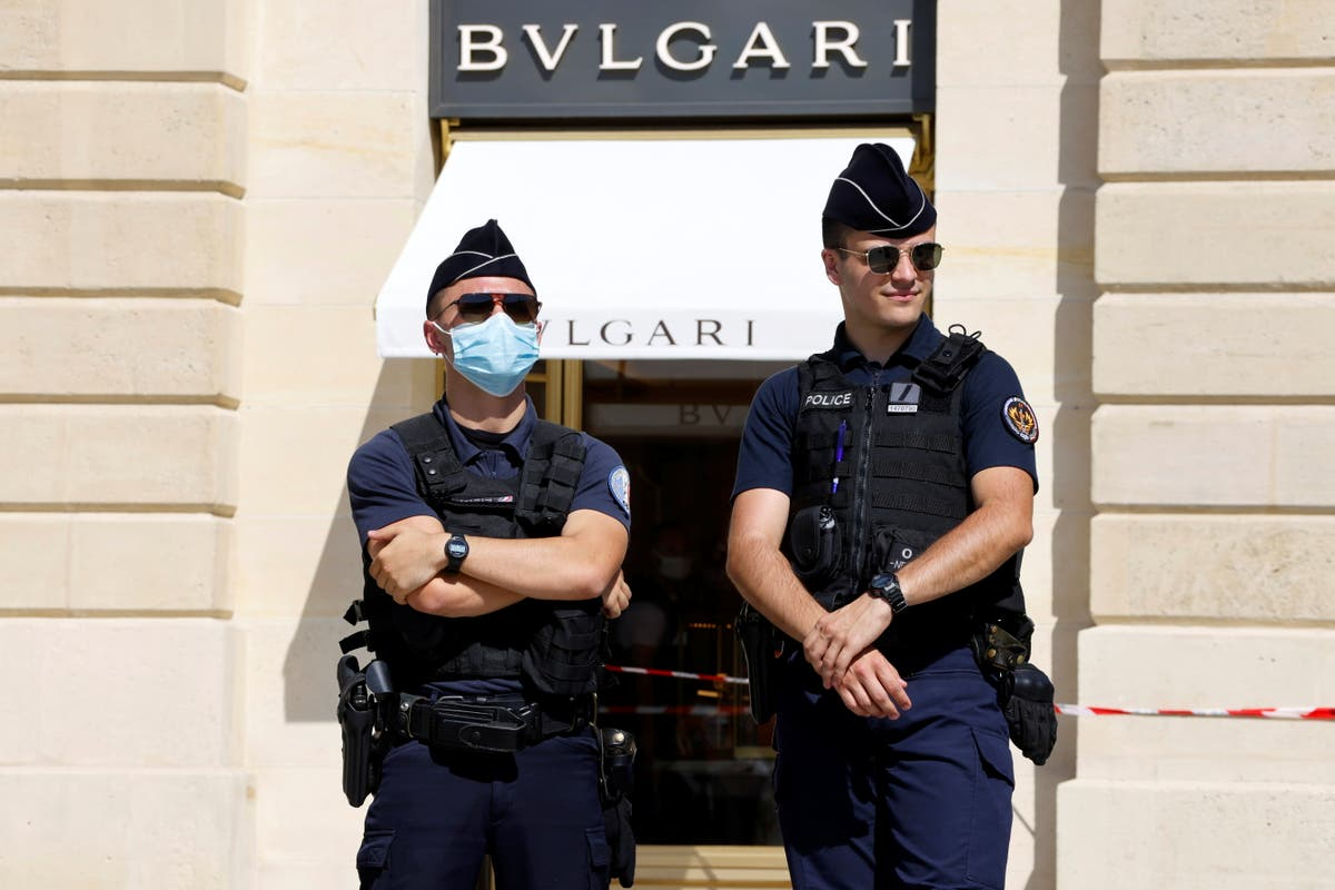 Police hunt for suspects on the run after jewellery worth €10m stolen in Paris heist