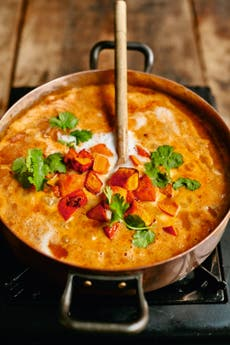 Jamie Oliver's vegetarian curry recipe will keep even meat-eaters full and happy