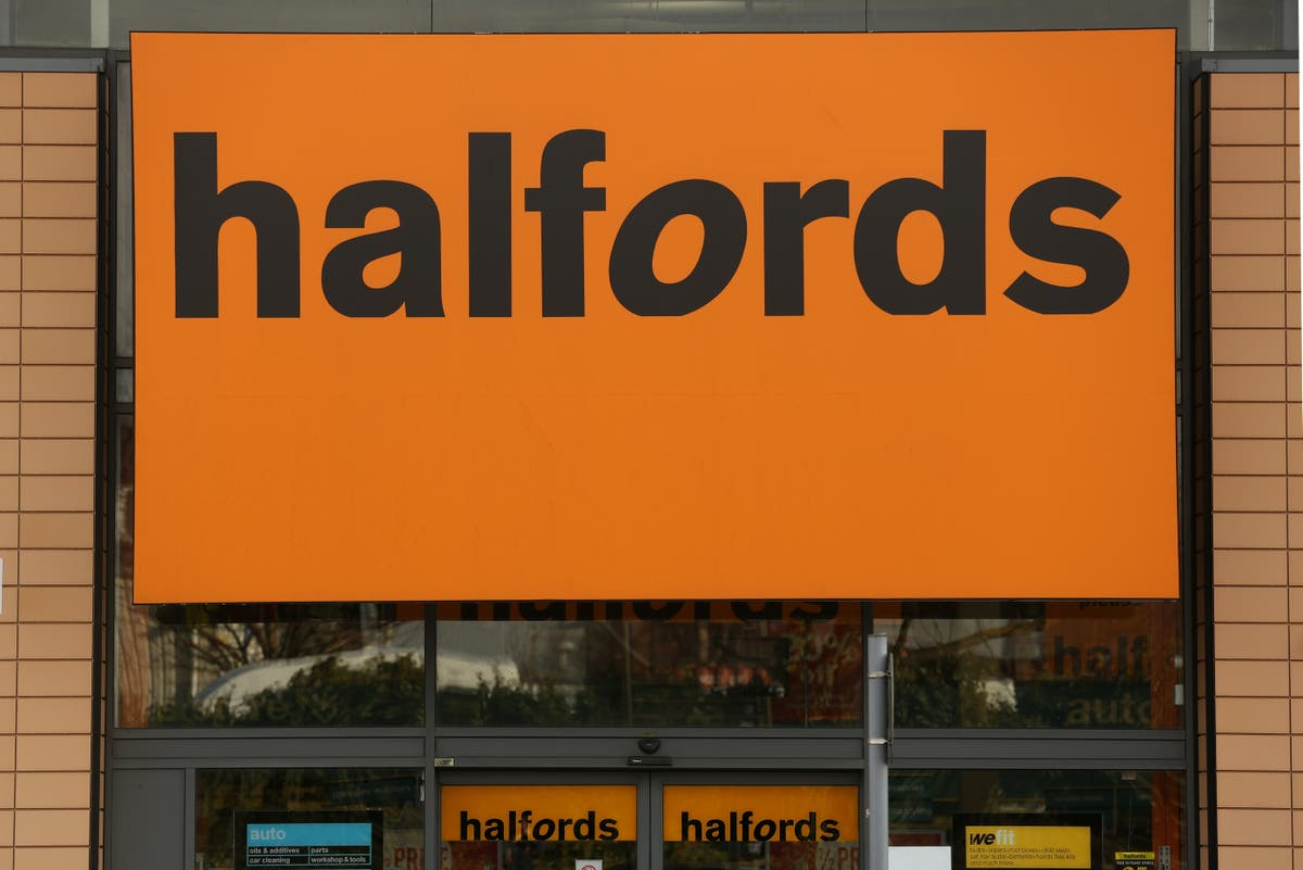 Halfords cycling sales hit by global bike shortage