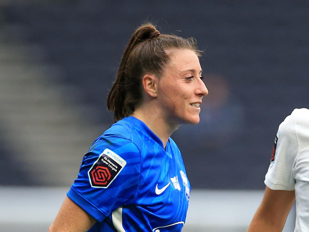 女子サッカーは「無意味な」オンライン虐待を克服することができます, ルーシークインは言います