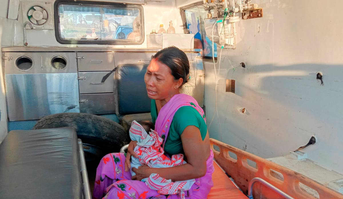 One dead, several feared missing in Indian ferry collision