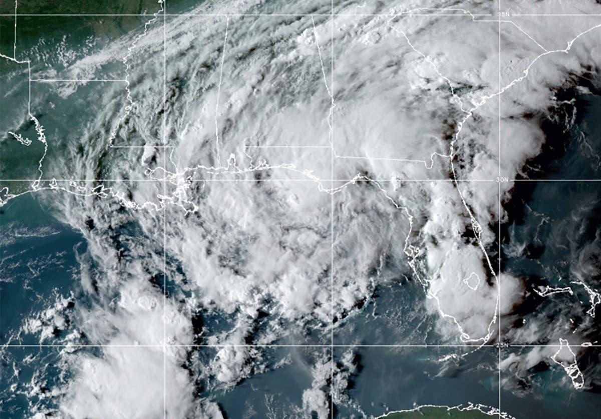 Tropical Storm Mindy dumps rain across Florida Panhandle