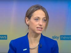 Social care staff who refuse vaccine should not work in care homes, sê minister