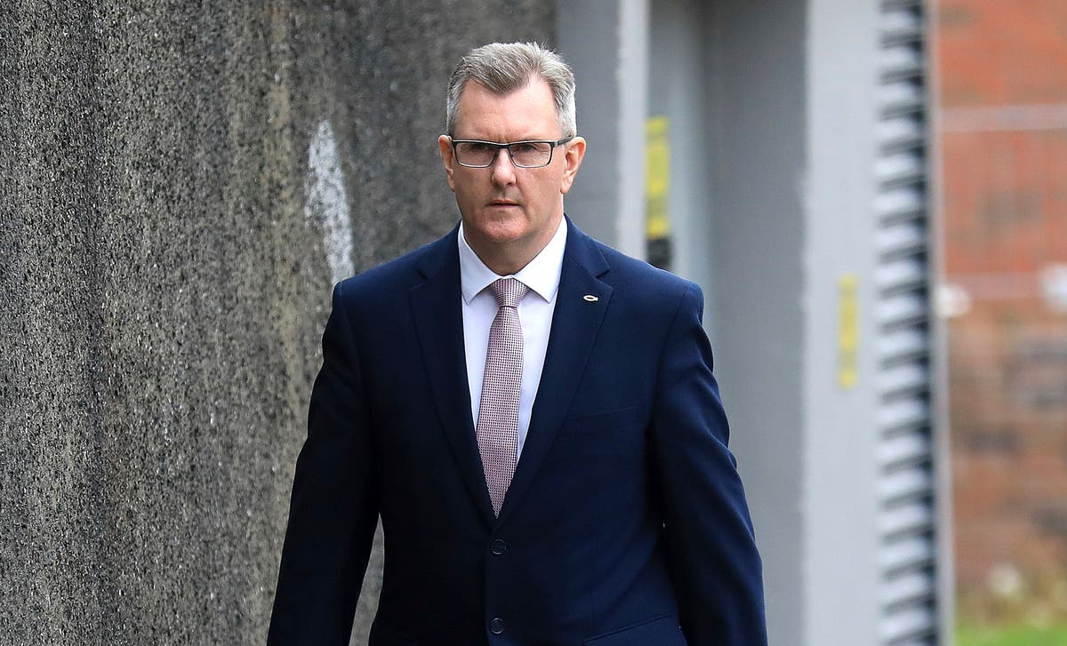 Unionist leader says Brexit deal could sink N Ireland govt