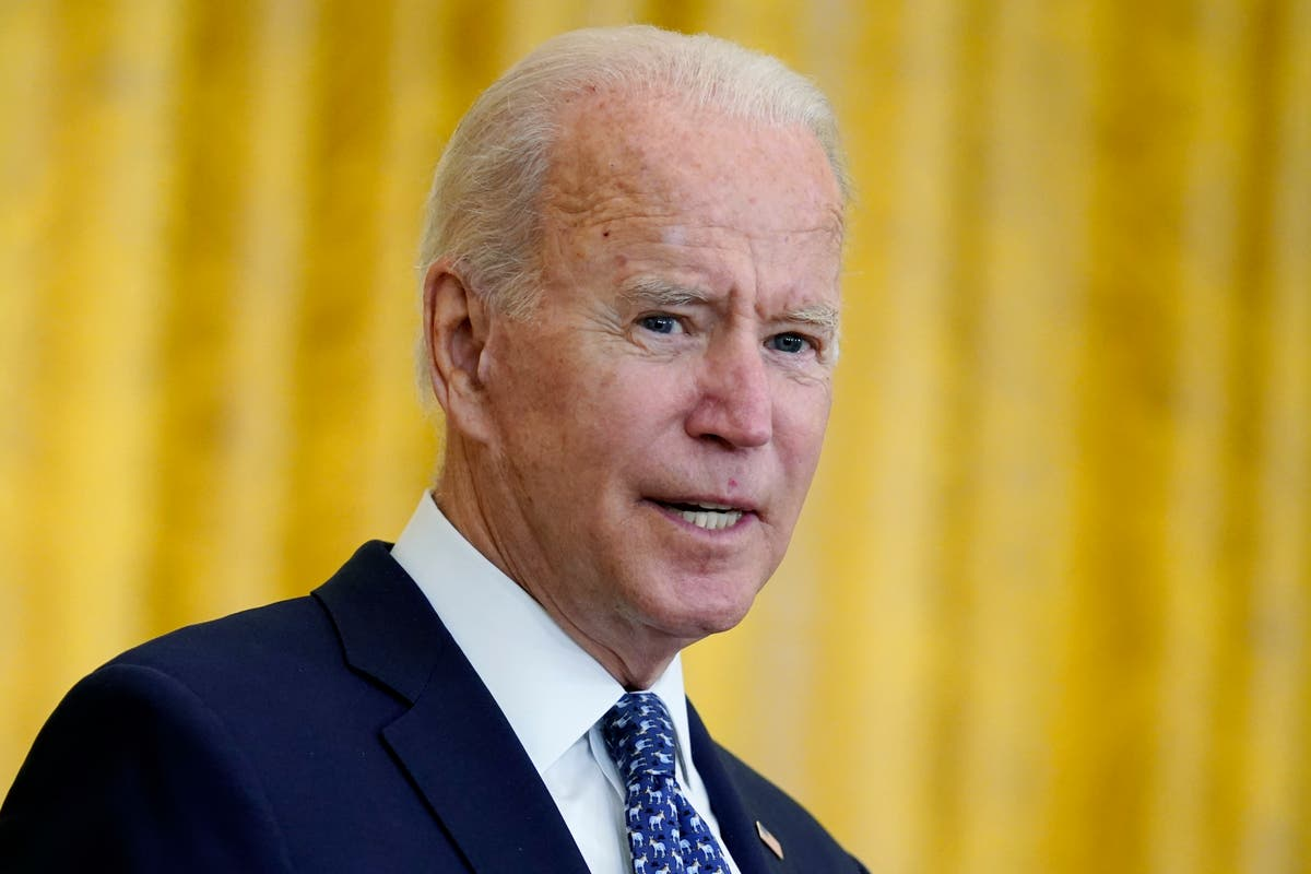 Biden to announce vaccine mandate for all federal workers, 报道说