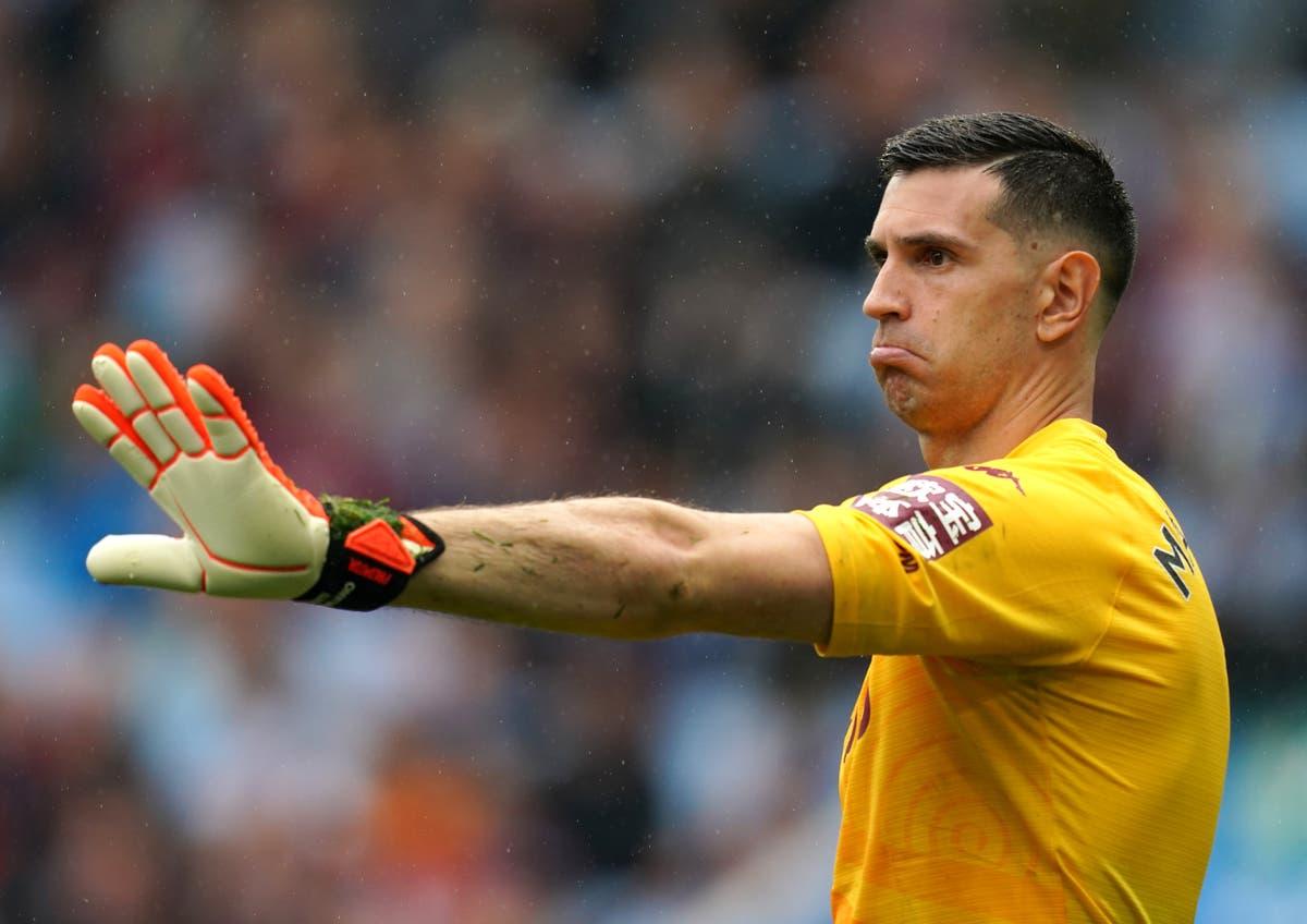 Dean Smith: Aston Villa in no-win situation over Emi Martinez and Emi Buendia