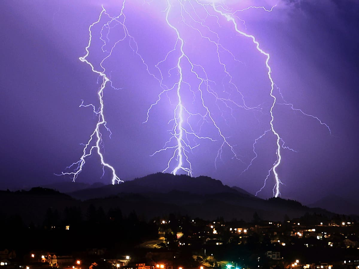 Fast-moving lightning storms over bone dry California raise fears of wildfires