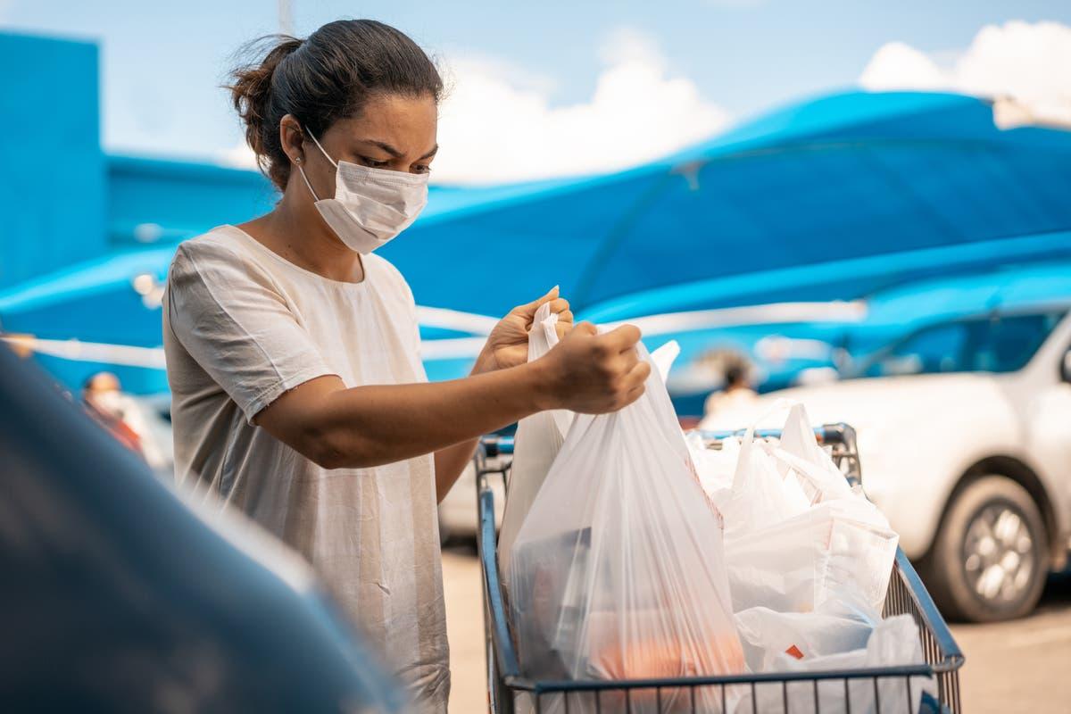 观点: Plastic waste is the next asbestos – it's a public health emergency