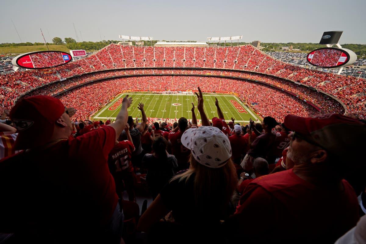 AP-bilder: Fotballfans fyller stadioner når NFL -sesongen åpner