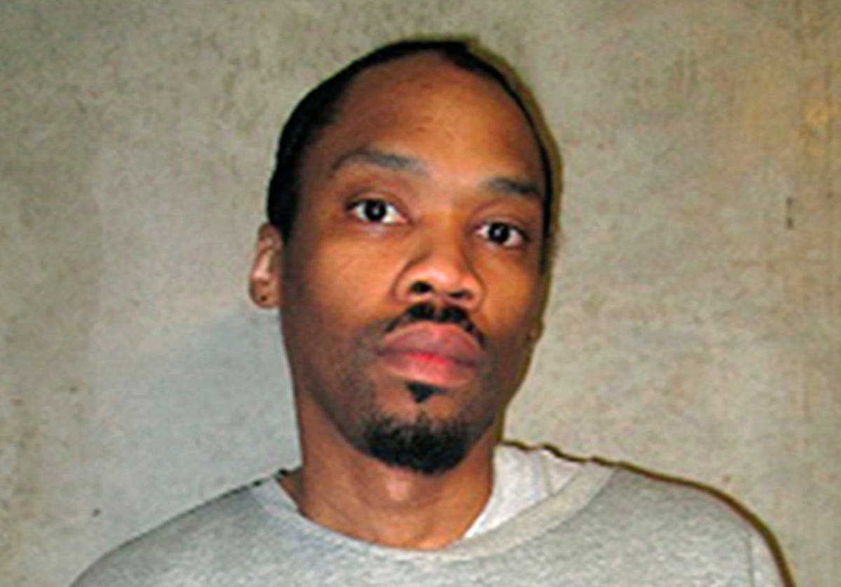 Oklahoma board urges governor to commute death sentence