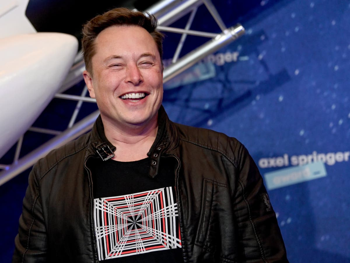 Elon Musk trolls Jeff Bezos as he falls further behind in 'world's richest' race