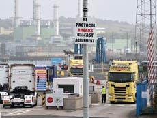 L'actualité du Brexit: PM's NI tunnel plan dropped as EU imports delayed