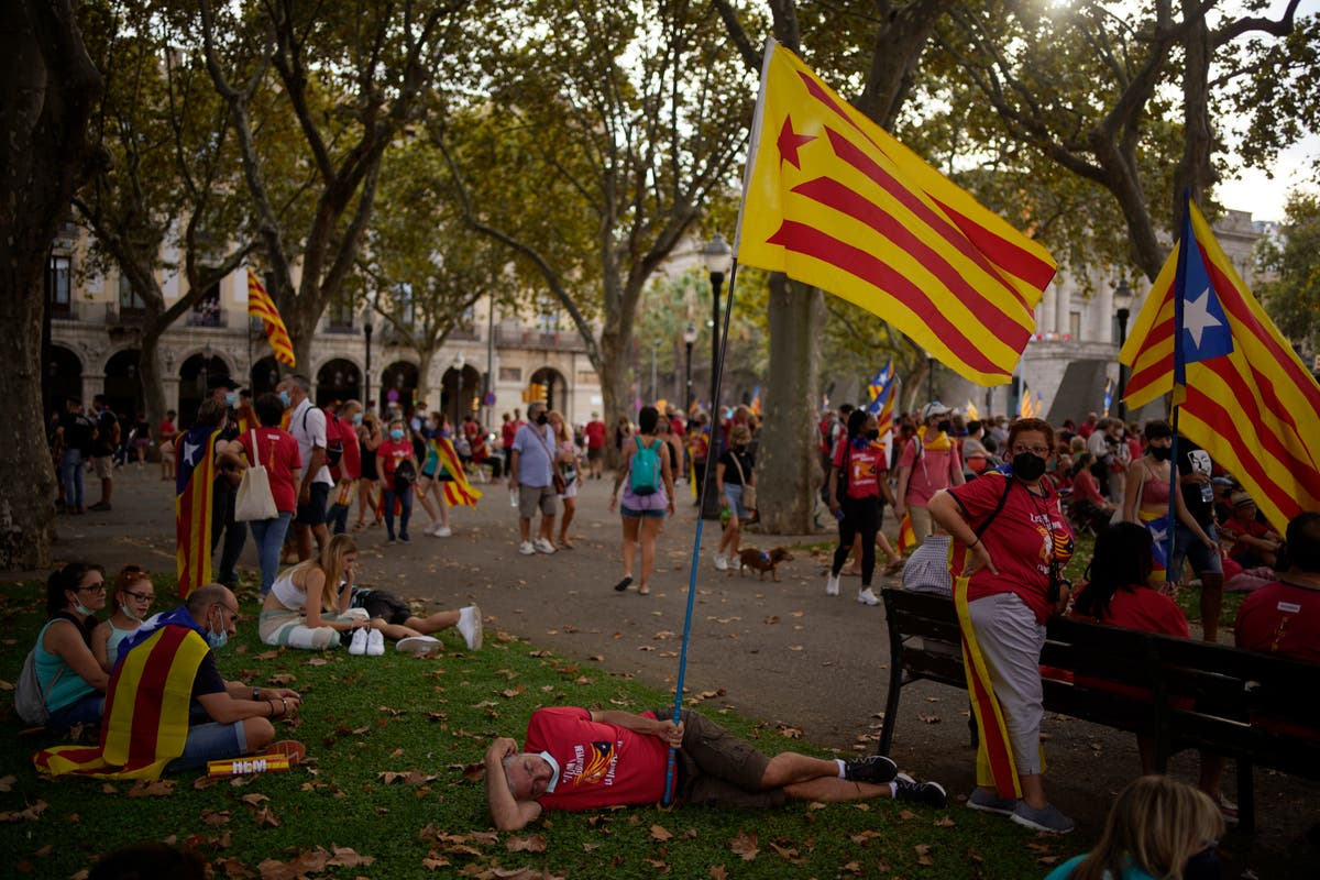 Dialogue with Spain deepens division between Catalan parties